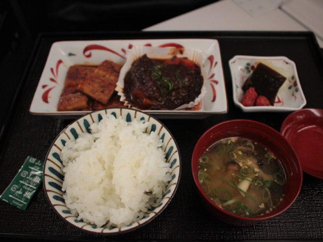 ご飯と味噌汁、鰻