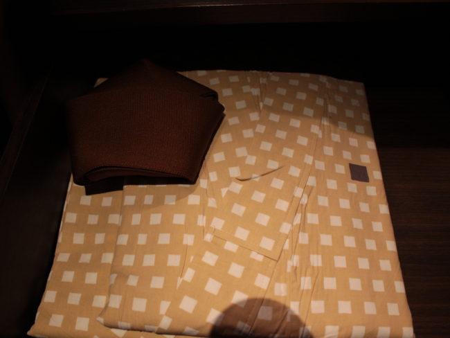 薄茶色の浴衣