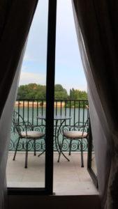 部屋から見える運河