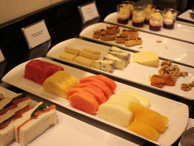 チーズやデザートなど