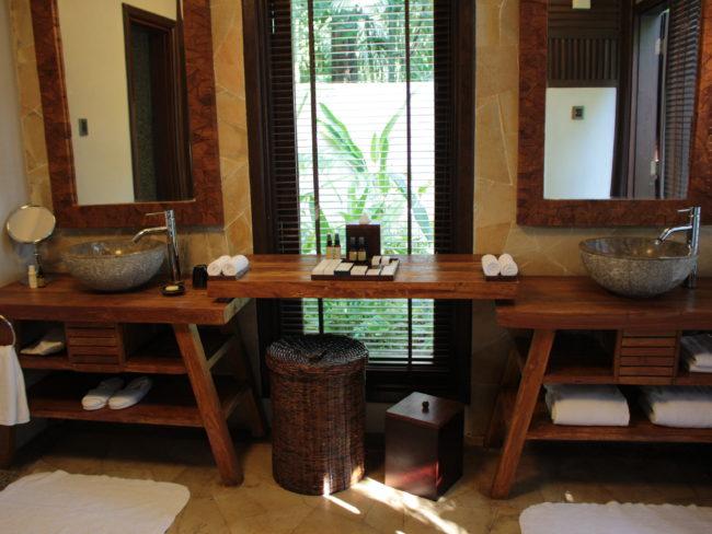 2面の洗面スペース